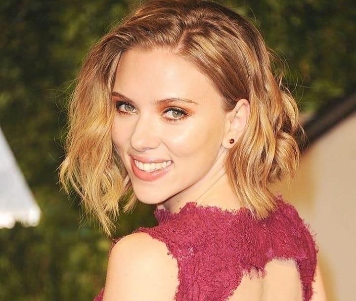 Scarlett Johansson Scarlett Johansson Mostra Anel De Noivado De 360 Mil Euros