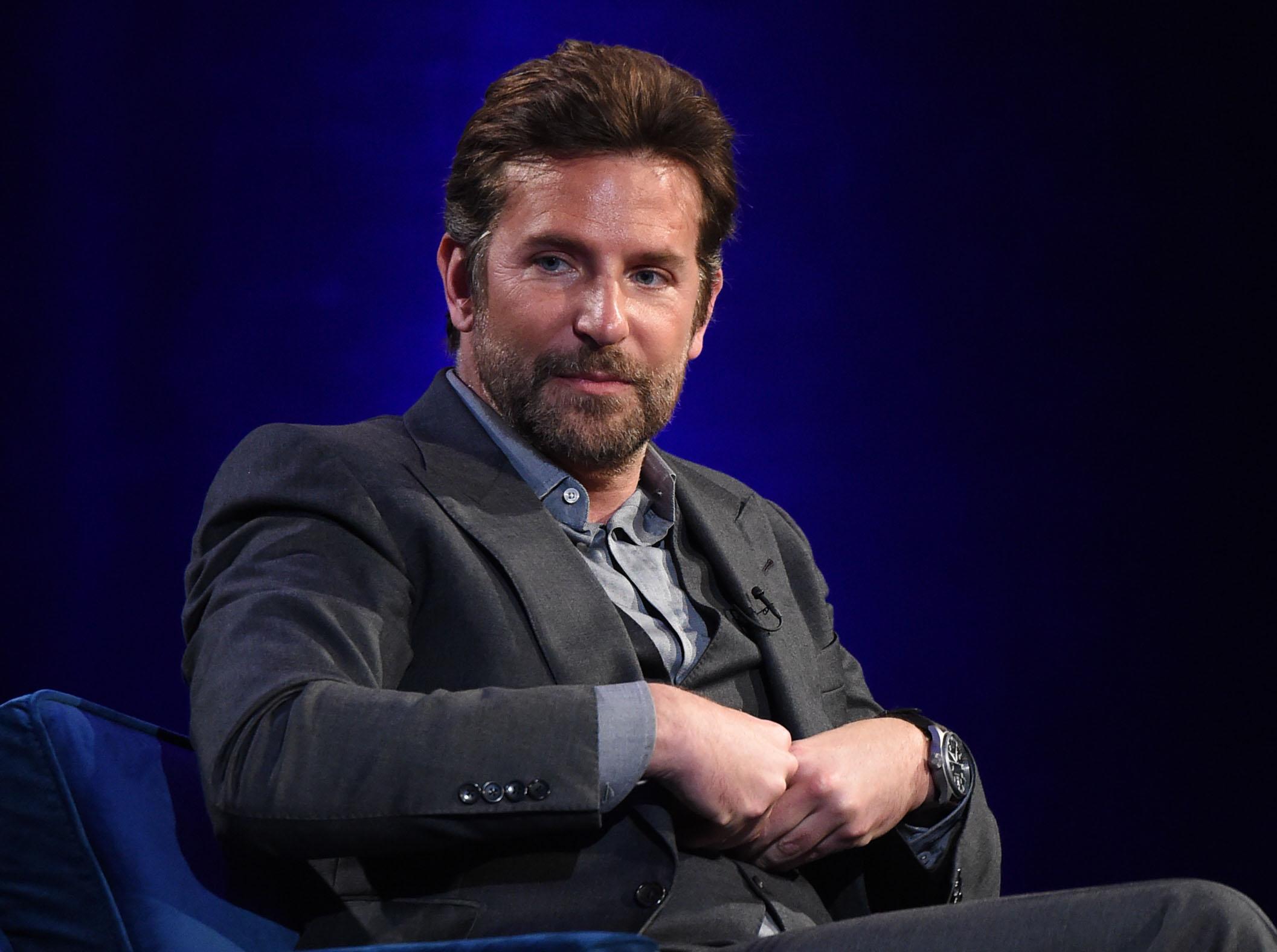 Bradley Cooper Bradley Cooper Visto A Passear Com A Filha Em Nova Iorque
