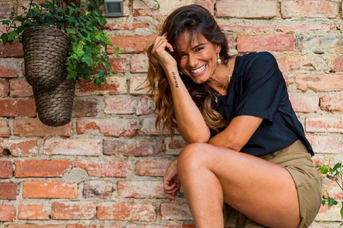 Claudia Vieira De Férias, Cláudia Vieira Deixa-Se Fotografar Em Momento De Grande Descontração