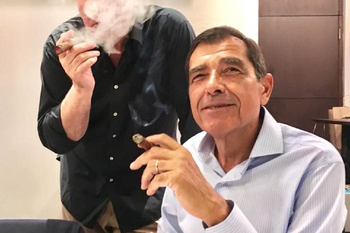 Jose Eduardo Moniz Charutos 1 José Eduardo Moniz Estreia-Se Nos Charutos Com Amigo De Longa Data