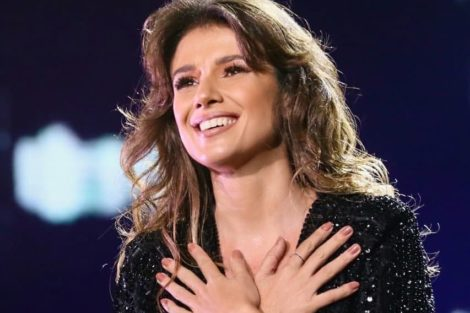 Paula Fernandes Cantora Paula Fernandes Revela Tentativa De Suicídio
