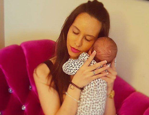 Kika Gomes Filha Maria Clara As Recém-Mamãs Que Celebram O 'Dia Da Mãe' De Forma Muito Especial Este Ano