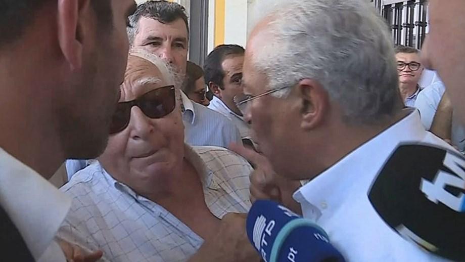 Bronca! António Costa exalta-se com popular durante arruada