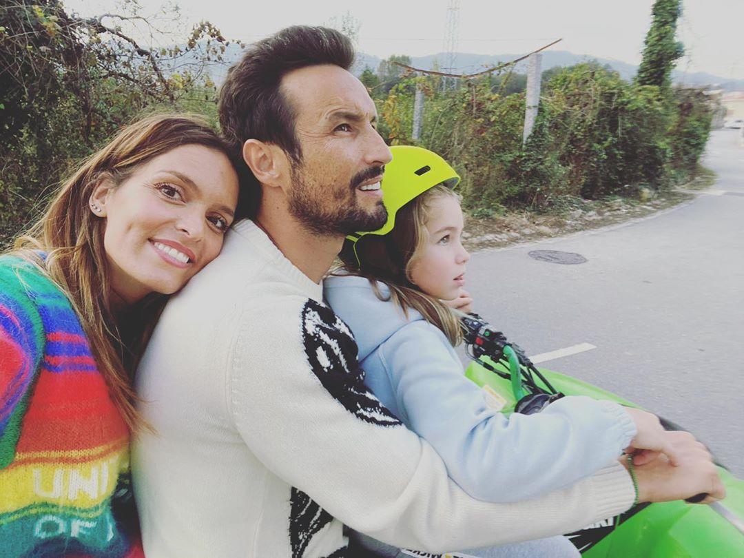 Diana Chaves Cesar Peixoto Filha Diana Chaves Passeia Em Família De Moto 4 Sem Capacete