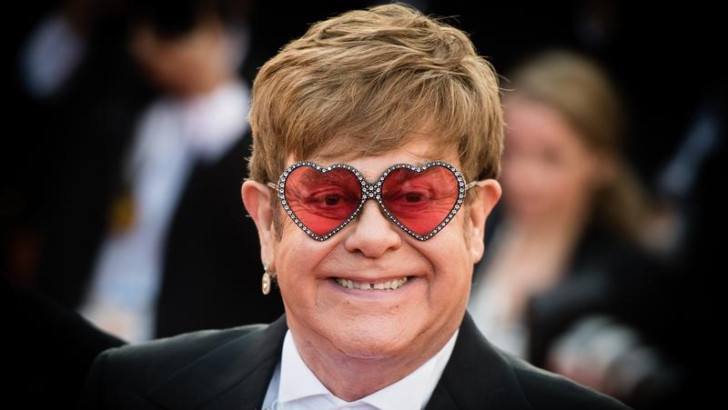 """Elton John Elton John Sobre A Cocaína: """"Converteu-Me Num Monstro"""""""