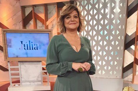 Juliapinheiro 1 Júlia Pinheiro Reage Às Críticas Sobre O Seu Decote