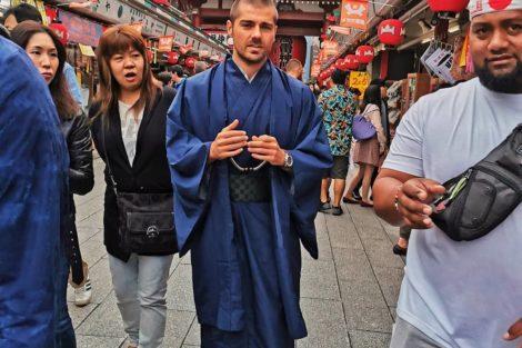 Lourenco De Férias, Kelly Bailey E Lourenço Ortigão Vestem-Se À Japonesa