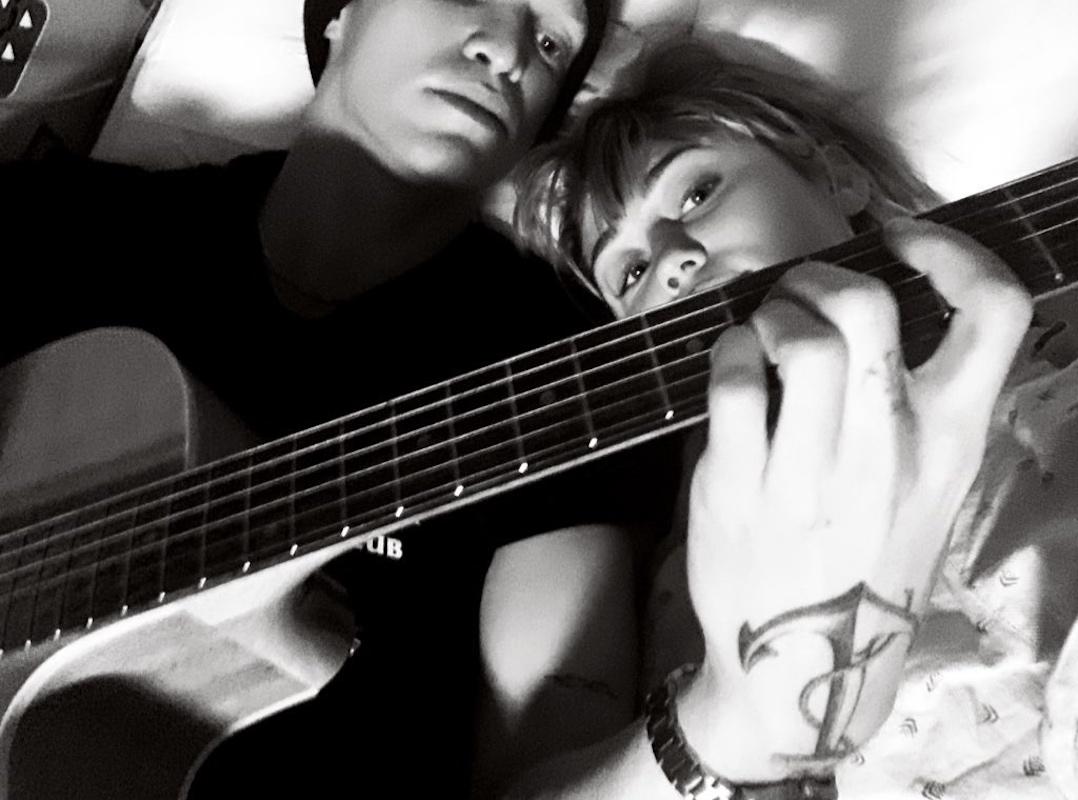 Miley Cyrus Namorado Internada, Miley Cyrus É Surpreendida Pelo Namorado