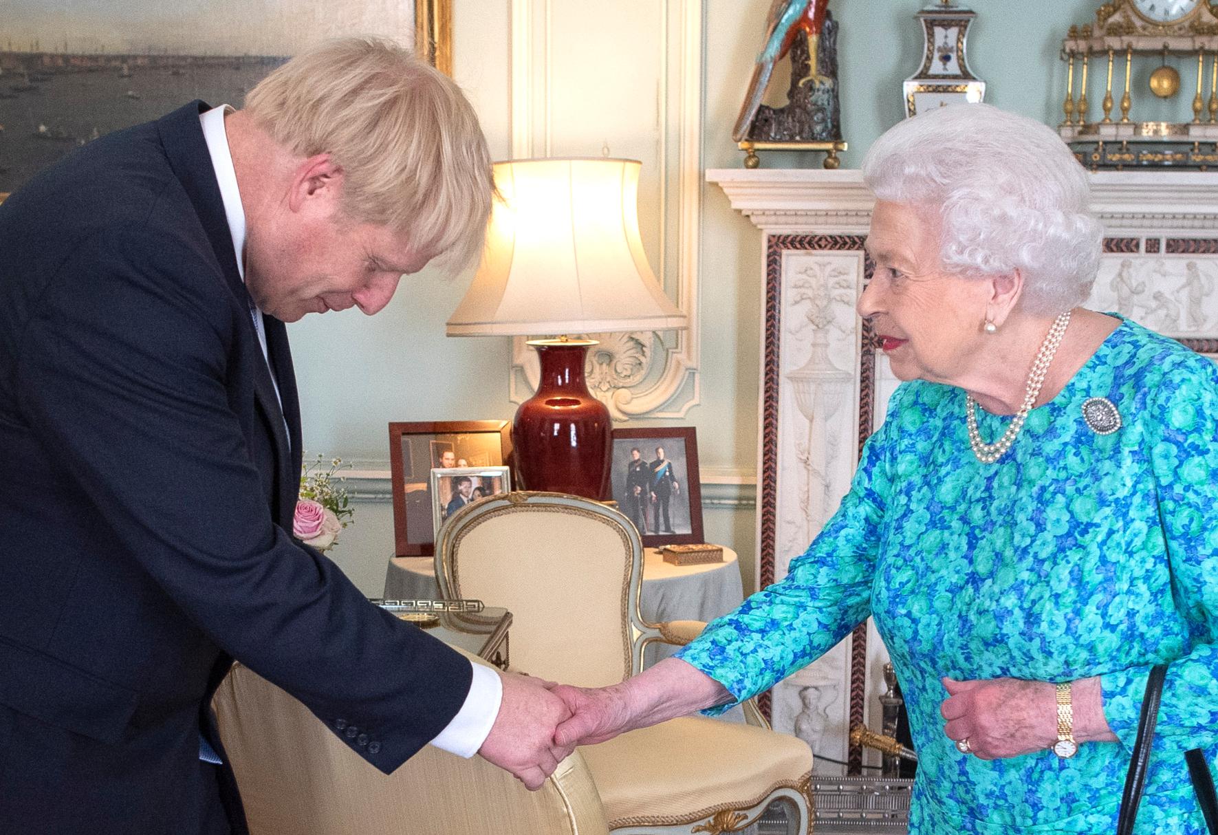 Rainhaboriszoom Fotografia De Meghan Markle E Harry Desaparece No Palácio De Buckingham