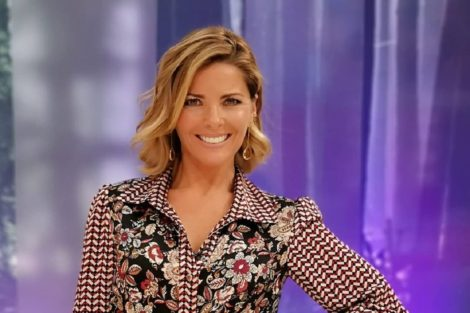Sonia Araujo Um Arraso! Sónia Araújo Surge Deslumbrante Dentro De Uma Piscina