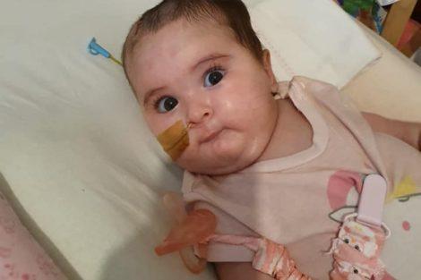 Bebe Matilde Bebé Matilde Apresenta Melhorias E Já Consegue Sentar-Se