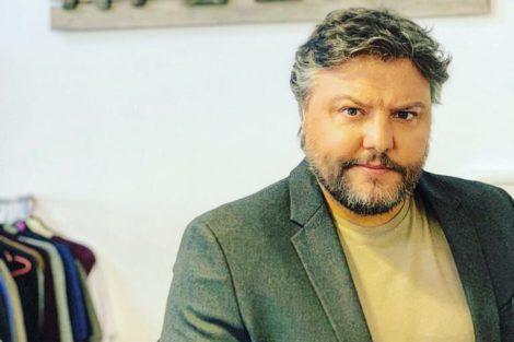 Cesar Mourao Filha De César Mourão Incrédula Com A Roupa Do Pai: &Quot;Foi A Sic Que Te Deu?&Quot;