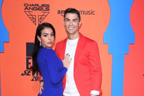 Cristiano Ronaldo Georgina Rodriguez Cristiano Ronaldo E Georgina Rodriguez Posam Juntos Na Red Carpet Dos Mtv Emas 2019