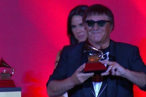 Jose Cid Grammy 1 José Cid Recebe O Grammy De Excelência Musical Nos Eua (Vídeo)