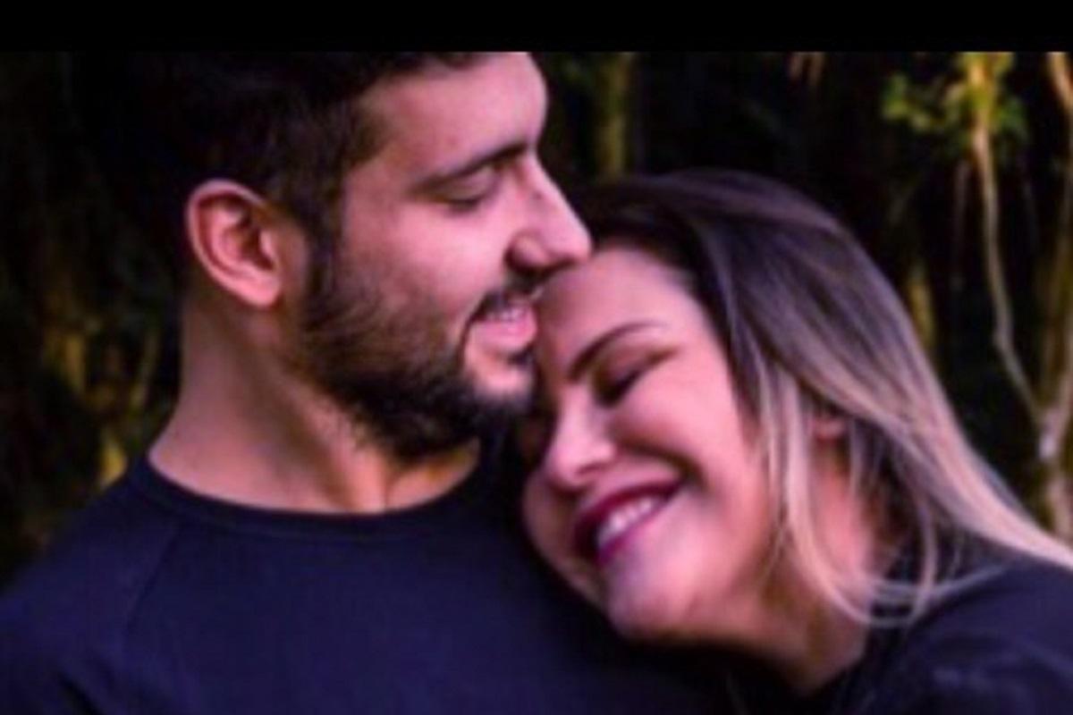 Katia Aveiro Alexandre Bertoluci Junior Em Dia Especial, Katia Aveiro Declara-Se Ao Namorado: &Quot;Um Dos Motivos Da Minha Felicidade&Quot;