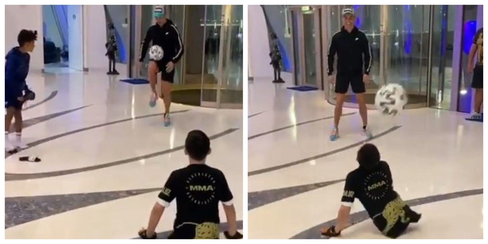 Cristianoronaldo Cristianinho Scaled Emocionante! Cristiano Ronaldo E Cristianinho Jogam Com Jovem Sem As Duas Pernas