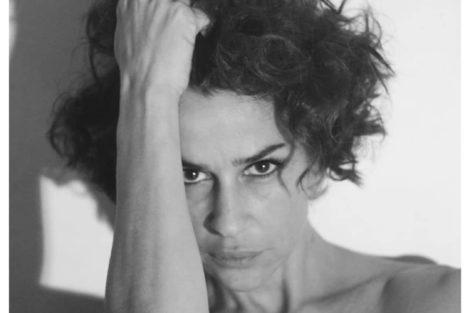 Sofia Aparicio Sofia Aparício Mostra-Se Completamente Nua: &Quot;Deslumbrante&Quot;