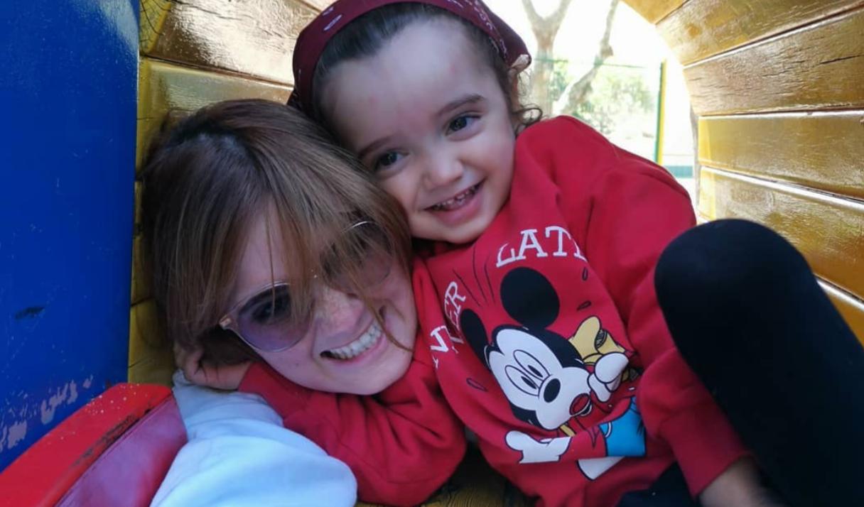 Carolina Deslandes Carolina Deslandes Revela Fotografia Inédita Da Infância