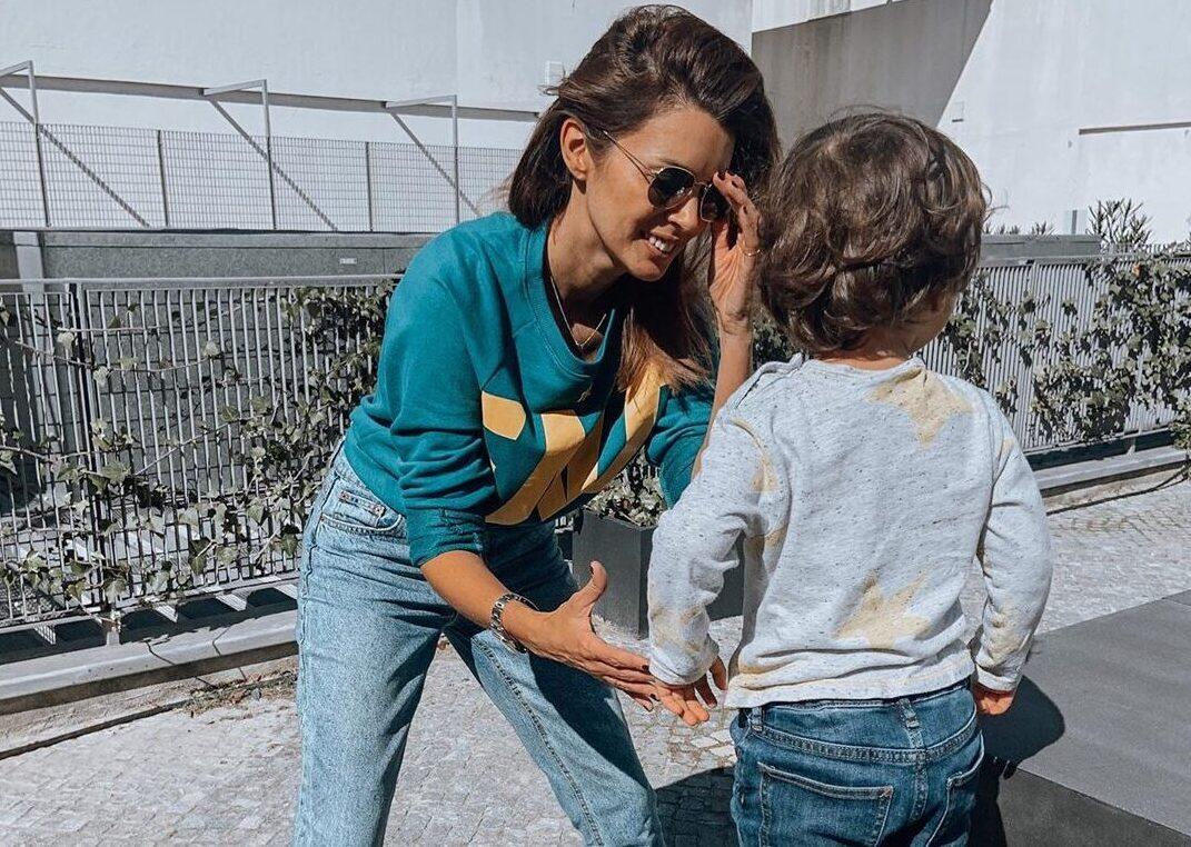 Maria Cerqueira Gomes E O Filho E1582474052530 Maria Cerqueira Gomes Mete-Se Em Aventuras E Corta O Cabelo Ao Filho