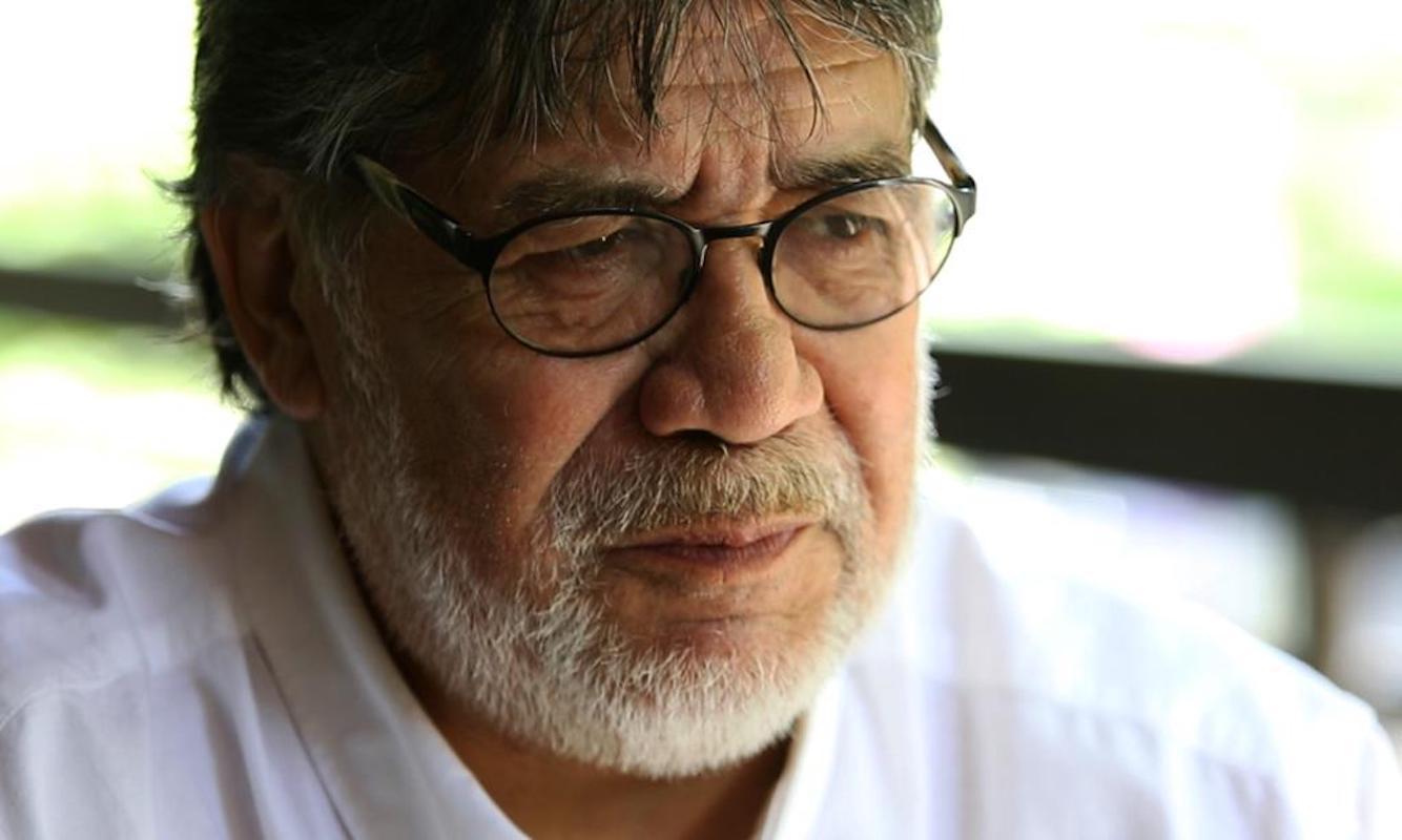 Escritor Luis Sepulveda Mulher De Luis Sepúlveda Despede-Se De Escritor Com Poema Arrepiante