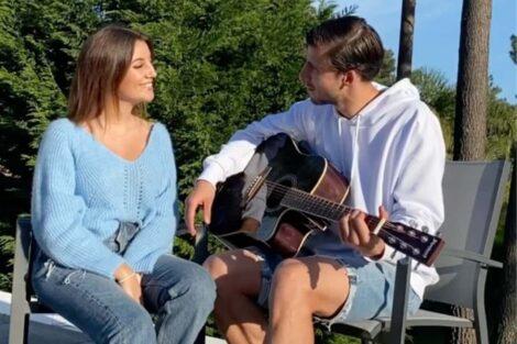 April Ivy Ruben Dias E1586604632929 Rúben Dias Aprende A Tocar Guitarra E Surpreende April Ivy
