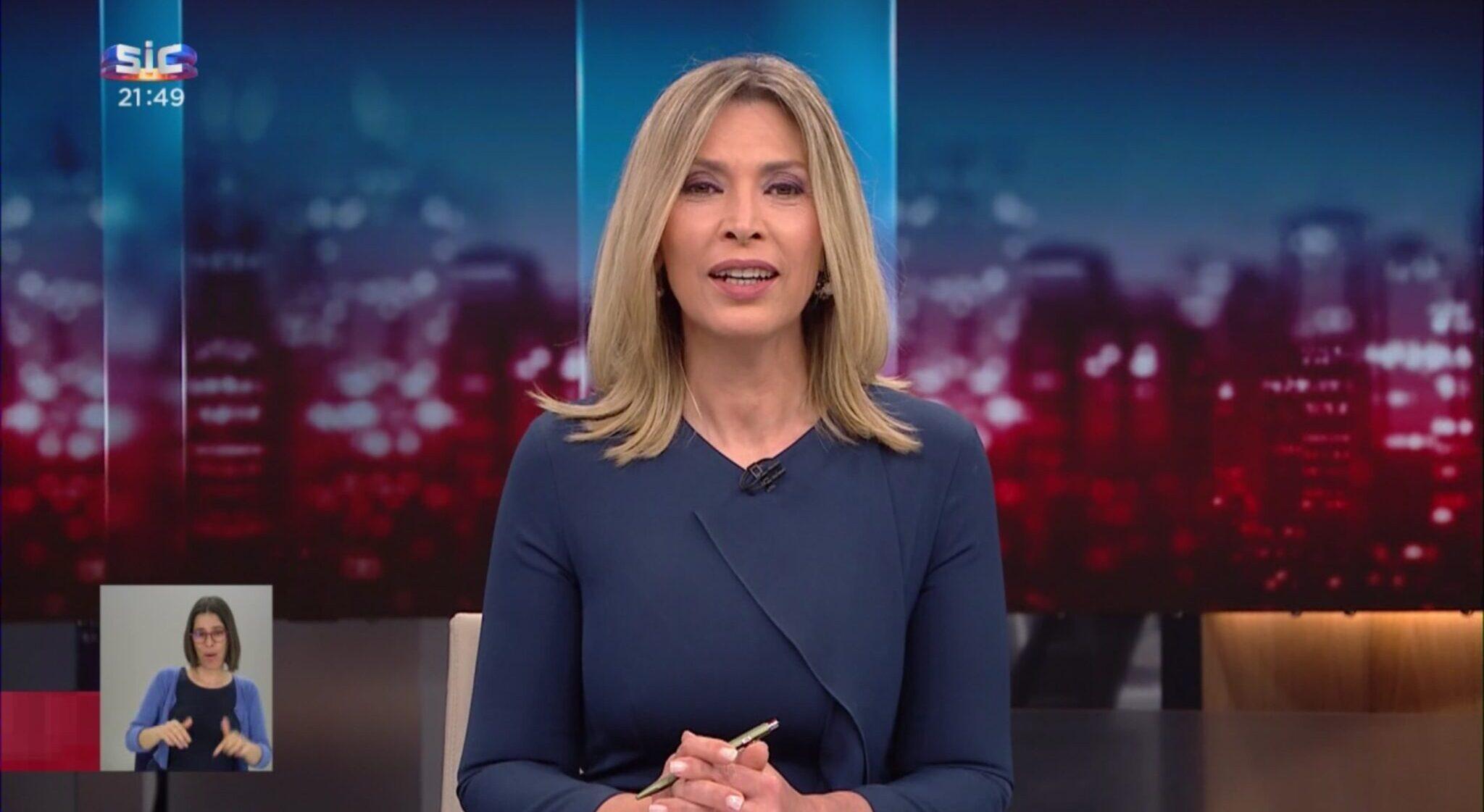 Clara De Sousa Scaled E1586430824233 Clara De Sousa Tem Ataque De Riso Em Direto No 'Jornal Da Noite'