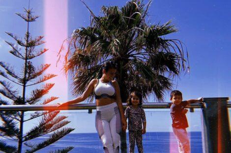 Georgina Eva E Mateo Deslumbrante! Georgina Rodríguez Mostra-Se Com Os Filhos Em Fotografia Amorosa