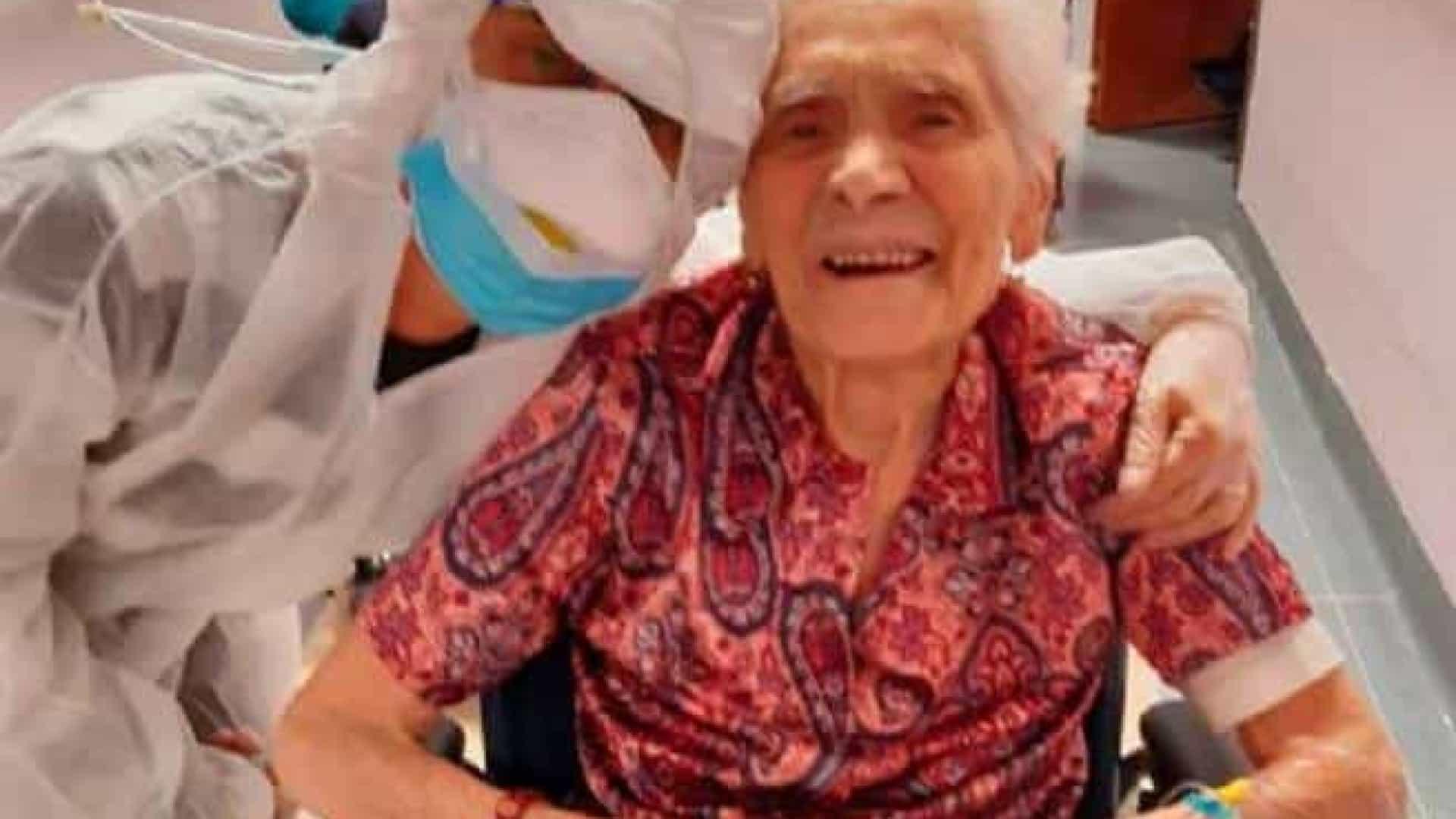 Italiana Mulher De 104 Anos É A Pessoa Mais Velha Do Mundo A Recuperar Da Covid-19