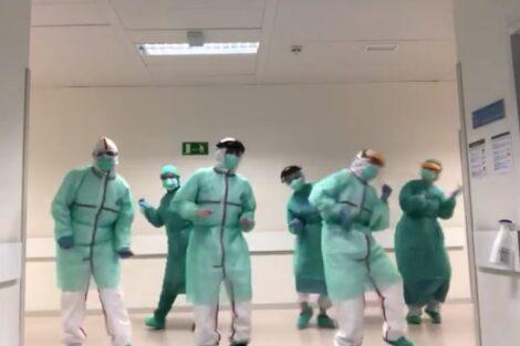 Medicos Espanha Scaled E1585765036602 Médicos Dançam Ao Som De Beyoncé E Momento Torna-Se Viral