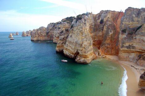 Praia Dona Ana Lagos Algarve Agência Portuguesa Do Ambiente Quer Salas De Isolamento Nas Praias