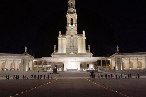 """Santuario De Fatima Vazio Imagens Do Santuário De Fátima Vazio Comovem Portugueses: """"Dá Um Aperto No Coração"""""""