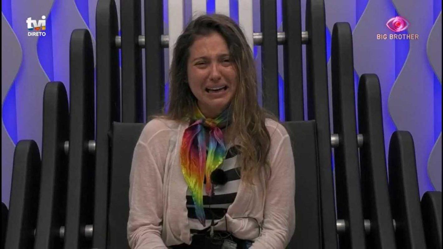 Ana Catharina Big Brother Big Brother. Ana Catharina Em Lágrimas No Confessionário: &Quot;A Galinha É Uma Pessoa&Quot;