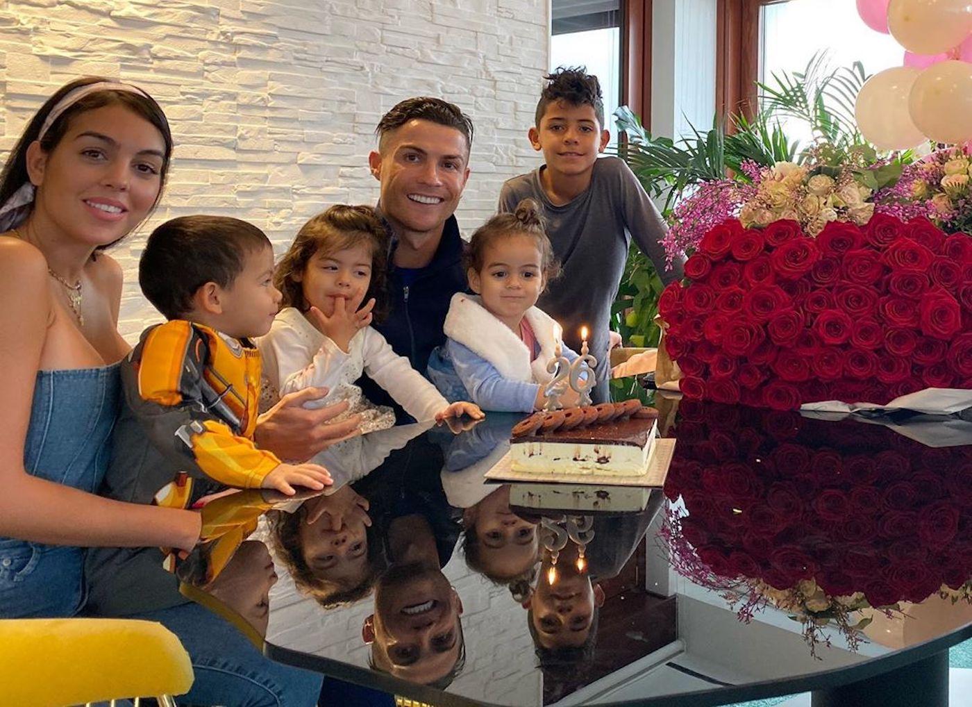 Georgina Rodriguez Cristiano Ronaldo Filhos Casa Cristiano Ronaldo Forçado A Aumentar Segurança Na Nova Vida Em Itália
