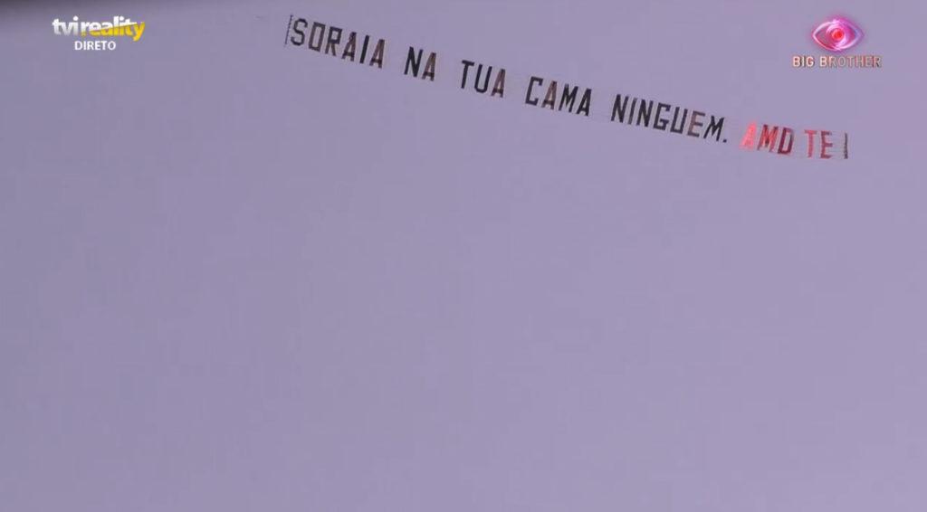 Soraia Aviao Big Brother. Avião Sobrevoa Casa: &Quot;Soraia Amo-Te, Na Tua Cama Ninguém&Quot;
