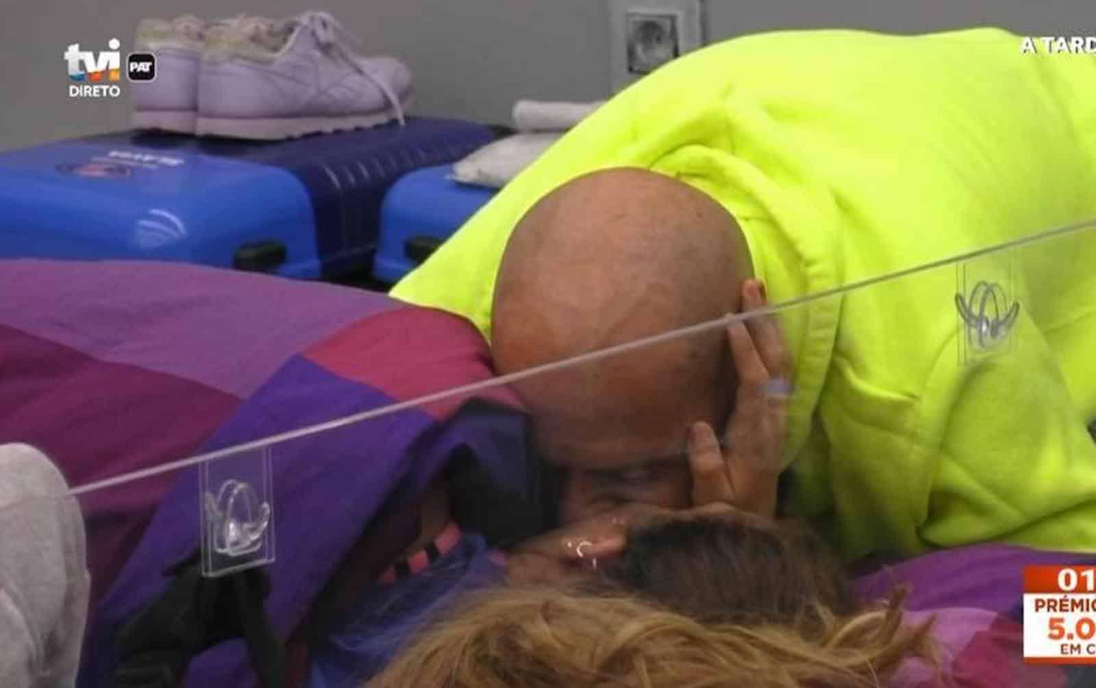 Iury Daniel Monteiro Beijo Big Brother: Foi Este O Motivo Que Irritou A Mãe De Iury?