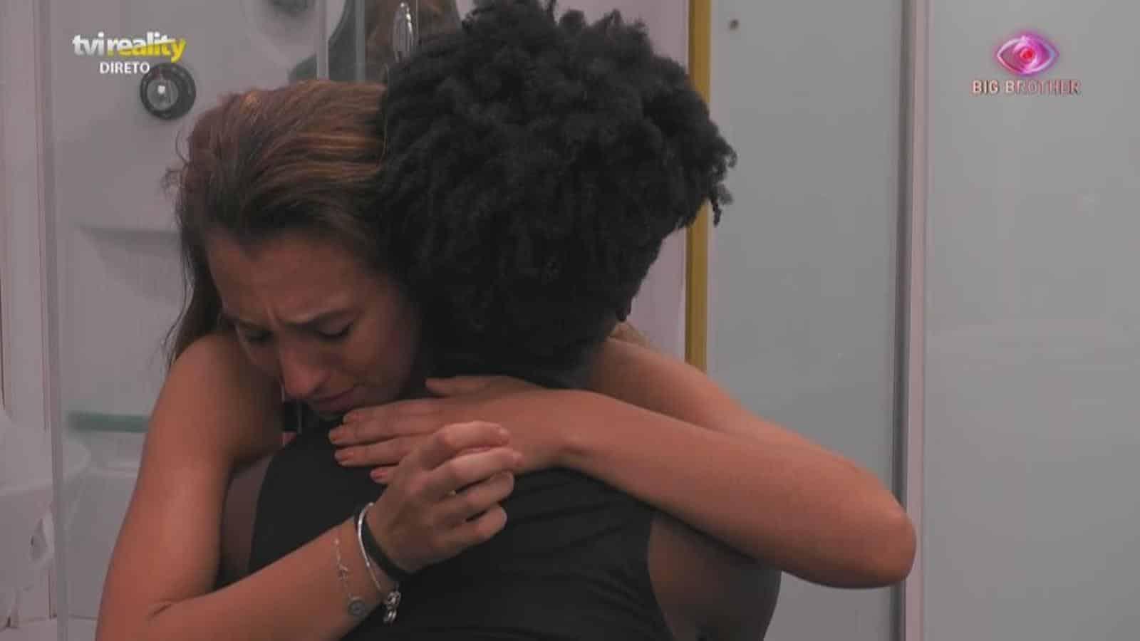 Iury Slavia Big Brother: Em Lágrimas, Iury Revela Que Foi Humilhada Pelo Ex-Namorado