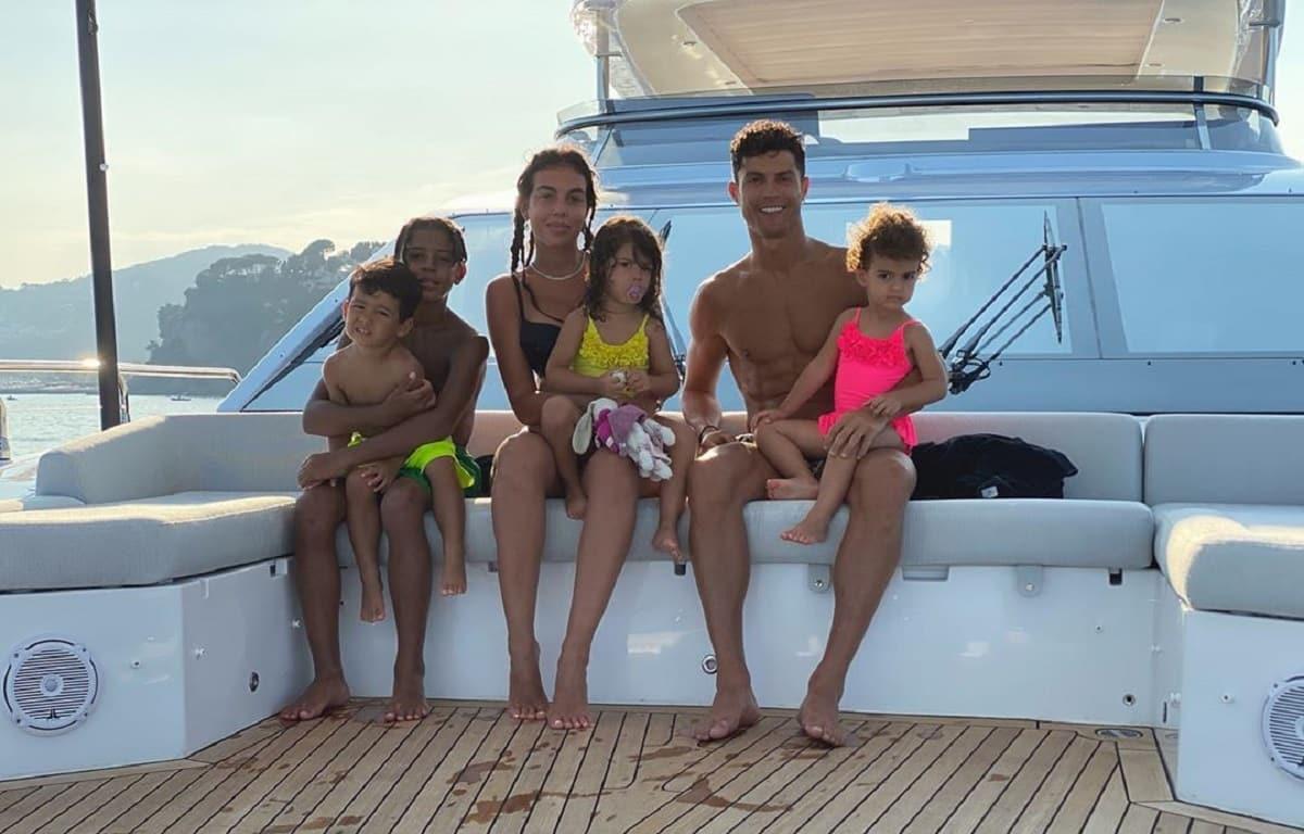 Ronaldo-Georgina-Filhos-