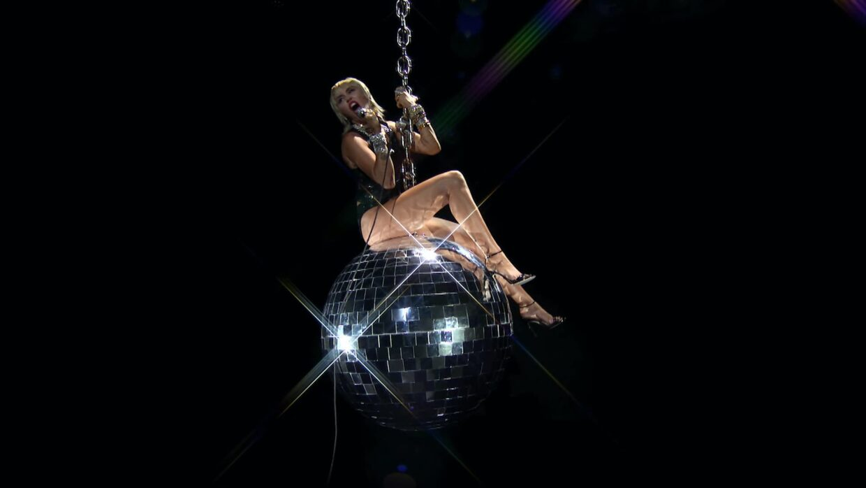 MTV-VMAs-2020-Miley-Cyrus