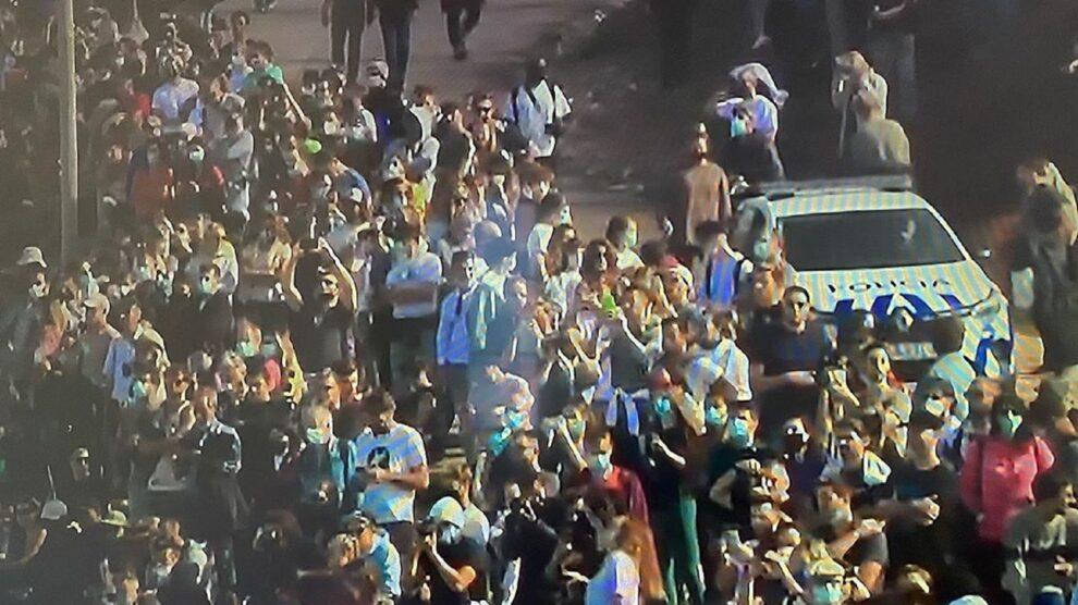 Cláudio Ramos, Multidão Na Nazaré