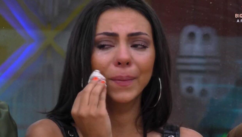 Jessica Fernandes Chora Big Brother