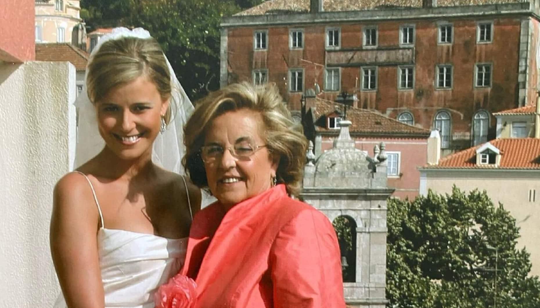 Leonor Poeiras, Mãe Maria De Lurdes