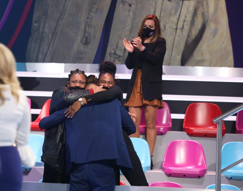 Michell Gala Big Brother Expulso Mae Irma Abraco