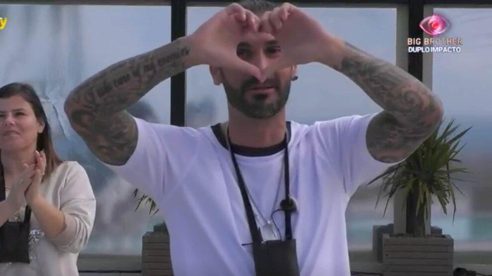 Bruno Savate Big Brother Aviao