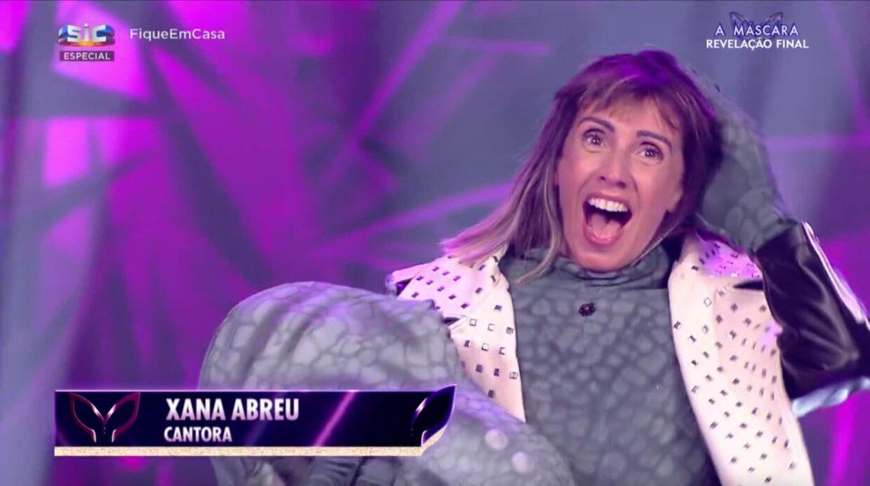 A Mascara Dinossauro Xana Toc Toc