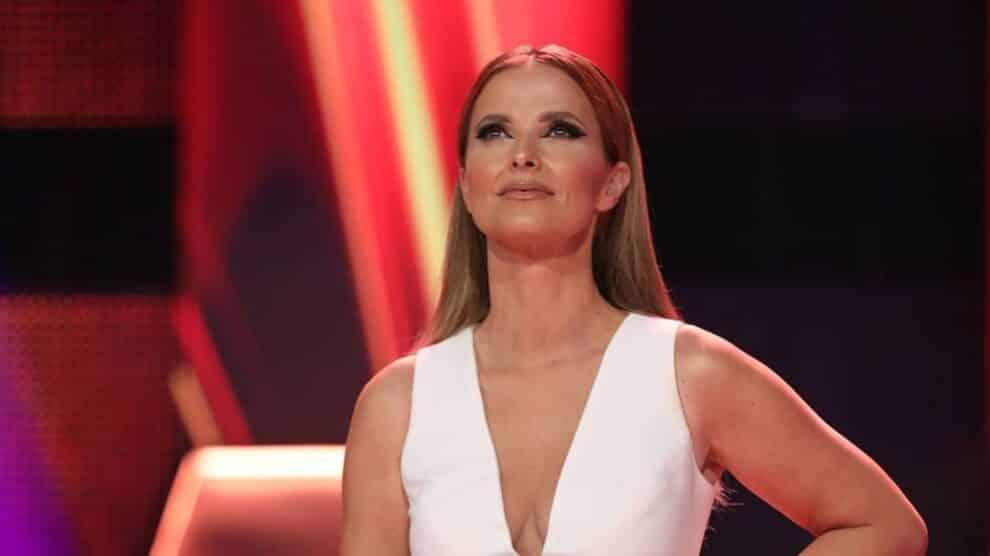 Cristina-Ferreira-Vestido-Flor-All-Together-Now-2