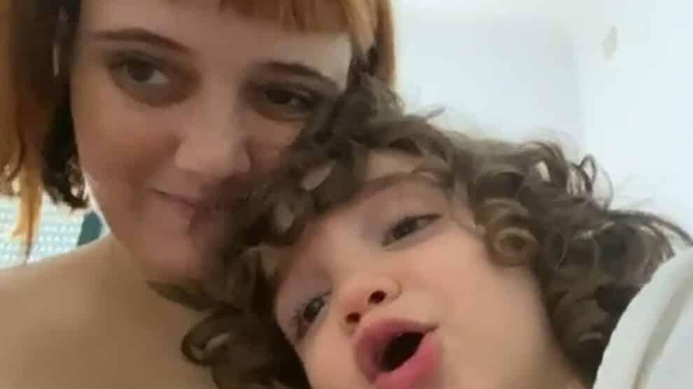 Carolina Deslandes, Filho Santiago