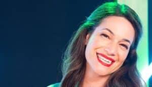 Paula Neves
