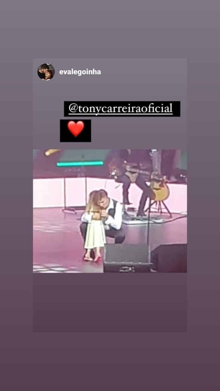 Tony-Carreira-Neta-Beatriz-Palco-Concerto