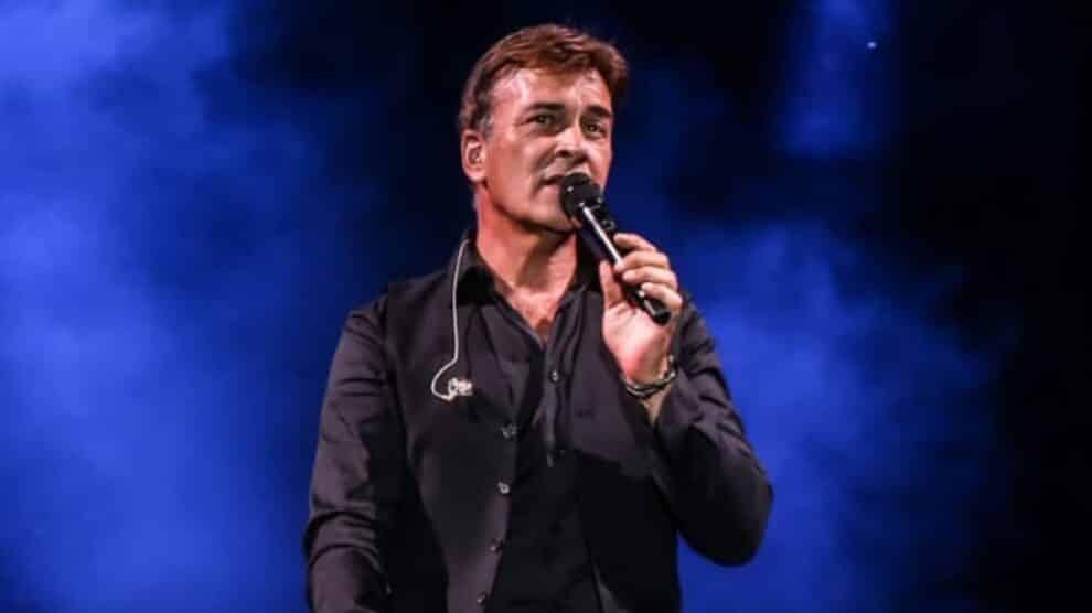 Tony Carreira, Concerto Arrasa Revista
