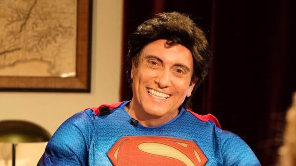 Joaquim Monchique Como Super Homem, Cá Por Casa